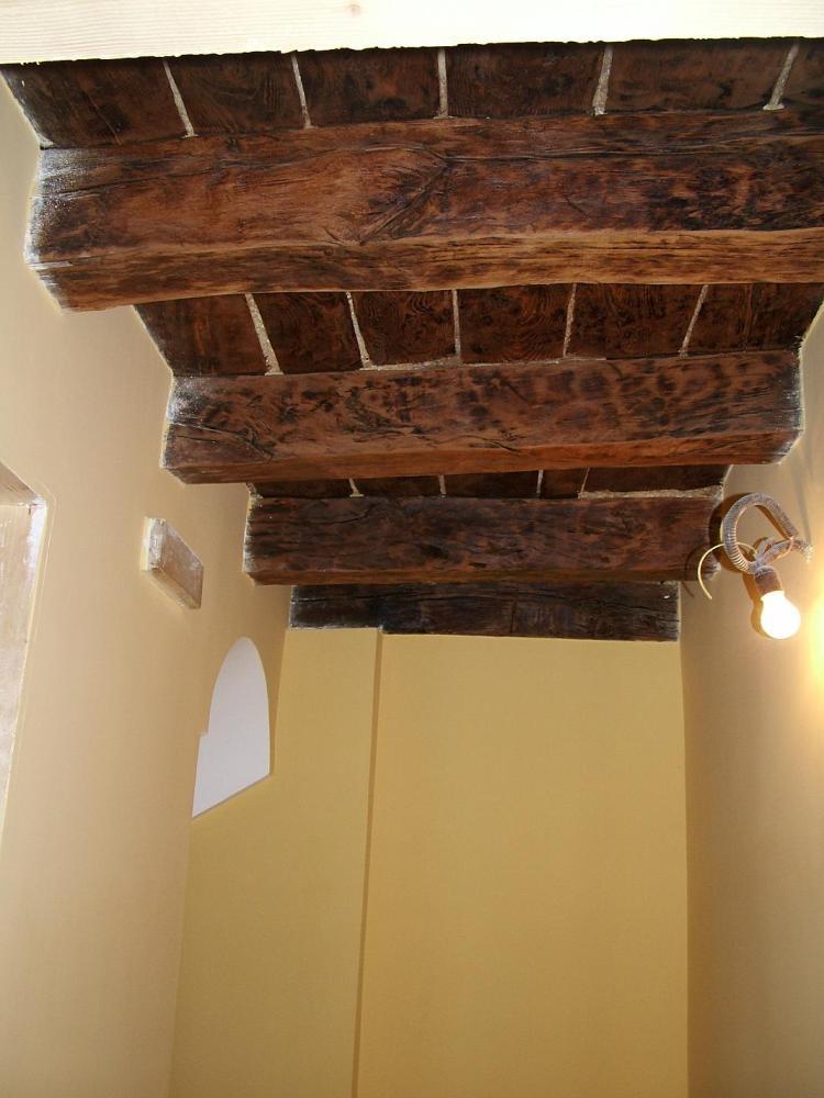 B самом сердце характерного исторического центра Санта Агата ди Готи (BN) в нескольких шагах от Собора продаются апартаменты со смежной стеной около 90 кв.м. (3/6)